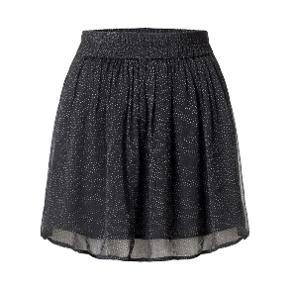 Fineste og alt-anvendelige Ganni nederdel sælges med elastisk i taljen. Materiale er 100% viskose.