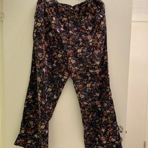 Smukkeste silke bukser