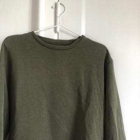 Sweatshirt fra ZARA i str 38. Næsten som ny
