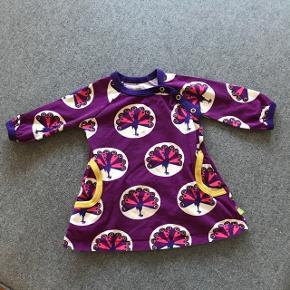Kjole fra Mala ikke meget brugt men har to små pletter som dig ikke er forsøgt fjernet. Afhentes 6700