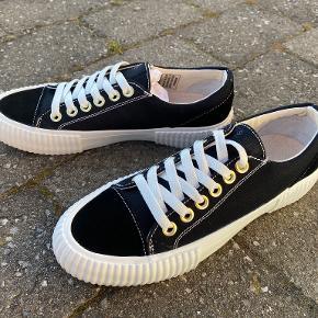 Shoe the Bear sneakers