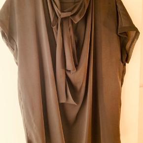 Skjorte fra MB spm er perfekt til kommende forår kan anvendes på flere måder Vasket 2 x