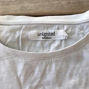 Mega flot unlimitet t-shirt. Str xs. Byd