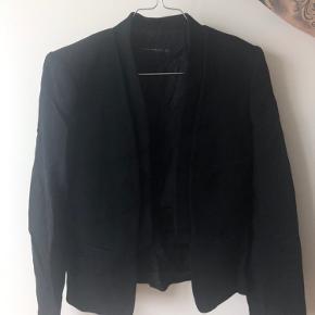 Fin blazer fra Zara str XS