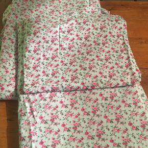 2 nye sengesæt i str voksen 140x200 der aldrig er blevet brugt, men er blevet vasket.