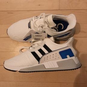 Adidas EQT cushion adv sko i hvid. Købt i forkert størrelse. Det er en 41 1/3.