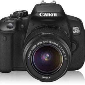 Canon eos 650d, kamerataske og batterioplader😆 har været super glad for det, men har næsten aldrig brugt det, så i stedet for at det bare står på en hylde, har jeg valgt at sælge det 📸✌🏼