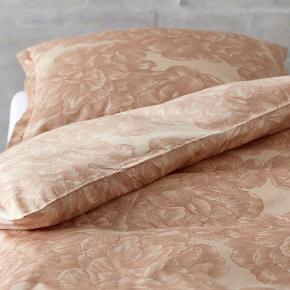 2 sæt norm str sengetøj i nude brugt få gange jeg bytter ikke