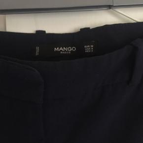 Flotte bukser - sidder rigtig godt, og er behagelige at have på.   Skriv for flere billeder 🌸