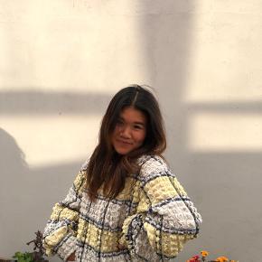 Blå, gul sweater/bluse fra zara