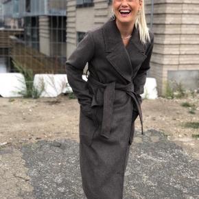 Helt ny jakke fra mbym - får den ikke brugt . Går ikke ned i pris   Jeg er 166 høj
