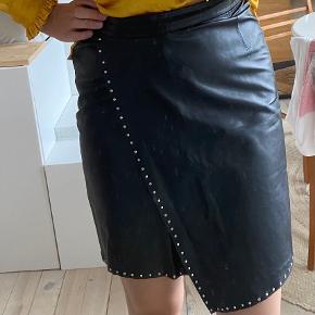 Plus Fine nederdel
