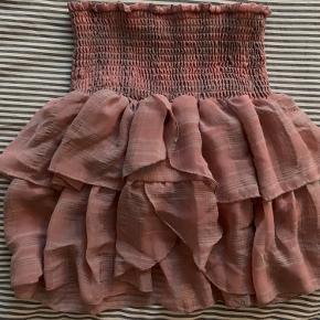 Neo noir nederdel, næsten ikke brugt. Str xs Np: 400kr Mp: 200kr