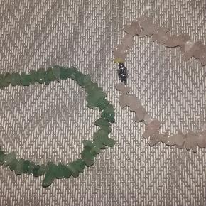 Smukke perlearmbånd, 1.ste billede tænker jeg 60 kr pp.  byd gerne på de andre :)