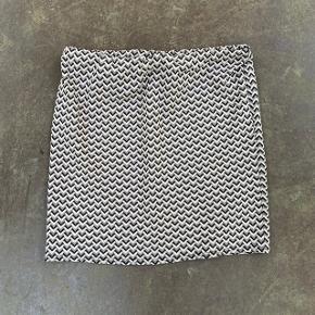 Nederdel fra Cha Cha i størrelse XL 🌷  Nypris: 350 kroner 💸