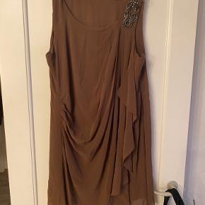 Dedicated kjole