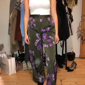 Mega fede bukser som desværre aldrig er brugt