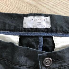 Jack's herre bukser/jeans  Str 38/32  Brugt men fejler ikke noget.  Sælges da de er blevet for store.   Kommer fra dyrefrit og røgfrit hjem.  Afhentes på adressen,6710 Hjerting eller sendes på købers regning.