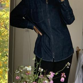 Weekday denimjakke cowboyjakke / mørkeblå str s / 37 jakke / trøje