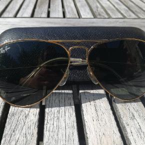 Vintage Ray-Ban Aviator i smukkeste retro brilleetui. Fremstillet i USA.