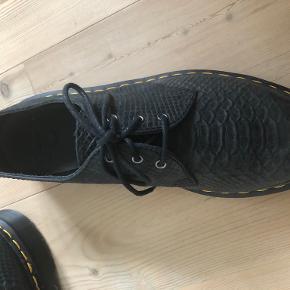 Dr. Martens andre sko & støvler