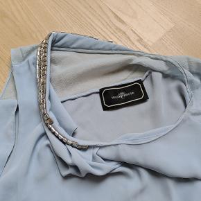 Den fineste Miranua by Malene Birger top. Shell: 100 % polyester Trimming: 100 % silk.  Bytter ikke. Toppen kan afhentes i København K eller sendes.
