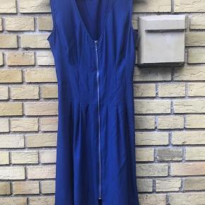 Very nice summer dress on the zip