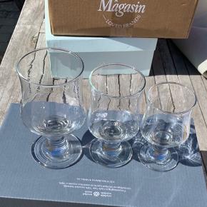 Holmegaard vinglas  15 rødvin 6 hvidvin 5 portvinsglas Meget velholdt. Byd