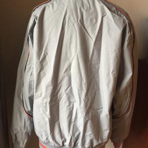 Nike jacket-men's  Only used a few times  Size L
