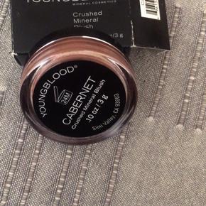 Blush helt ny ubrudt -100kr Creme powder -100kr Vejl op til 420kr stk