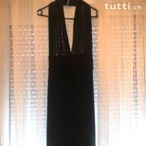 Schwarzes bodenlanges Kleid in Grösse S 36 aus einem dehnbaren Stoff