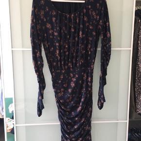 Smuk Stine Goya kjole str S  Fejler ingenting   Kan afhentes i Aalborg / Gug eller kan sendes på købers regning med DAO