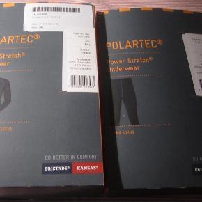 NYE Fristads Kansas Pullover Polartec® & FRISTADS KANSAS Polartec® lange underbukser . kan bruges både som skiundertøj, arbejdstøj, MC tøj samt til anden fysisk udfoldelse hvor det er koldt - str. XXXL til mænd sælges samlet som sæt. (har 2 sæt) Nypris 1635kr / samlet - TILBUD - NEDSAT TIL 850 kr / samlet for et sæt + evt. forsendelse  Sort med sømme i blå kontrastfarve. Fugttransporterende, åndbar og hurtigtørrende. Trøjen & bukserne har desuden en god isolerende effekt. OEKO-TEX®-certificeret.  *Handel kan foregå kontant, via TS, bankkonto & Mobilepay*