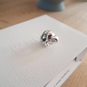 Pandora charm   Skilpadde med sten  Ny i æske