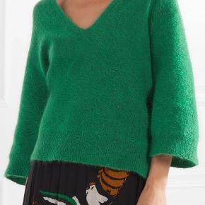 Mærke: By Malene Birger Model: WANLAY  mest lækre sweatshirt fra By Malene Birger. Modellen WANLAY i forener det klassiske med det moderne og giver dig mulighed for at give din stil et pift.