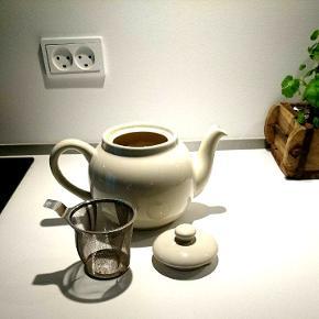 Hvid tekande med tilhørende tefilter. Købt i Plint.