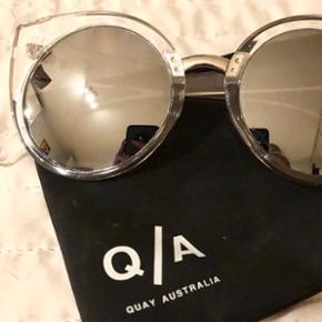 Marke : QuaySpiegelreflektion Moderne Sonnenbrille.