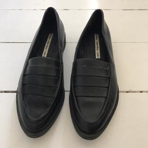 Sælger disse rigtig flotte loafers fra & Other Stories. Har desværre købt dem for små. De er aldrig brugt og har ingen tegn på slid.