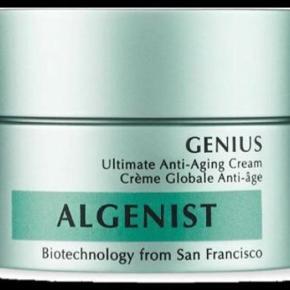 Brand: Algenist Varetype: Anti-Aging Cream Størrelse: Flere  Algenist Genius Ultimate Anti-Aging Cream 30 ml  ALDRIG BRUGT, STADIG I ÆSKE - BYTTER IKKE  Generelt: Hvis I ønsker mine ting sendt som forsikret pakke og/eller i boblekuvert/æske, så oplys venligst dette, så det kan lægges oveni prisen.