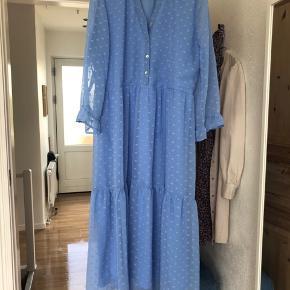 Kjole fra mærket Pigalle, købt i Only i foråret. Brugt en gang☺️