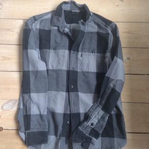 Tyk shirt fra Levis, fra deres skateboard line.