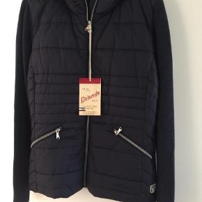 1319ff3cc3a Brand: Dolomite Varetype: Jakke Farve: Blå Oprindelig købspris: 2200 kr.  Prisen