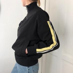 Light sweatshirt from Zara, very good condion