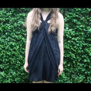 Super fin sort kjole perfekt til galla