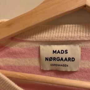 Lyserød cozy stripe kaxa fra Mads Nørgaard  Kun brugt meget få gange Kom med et bud