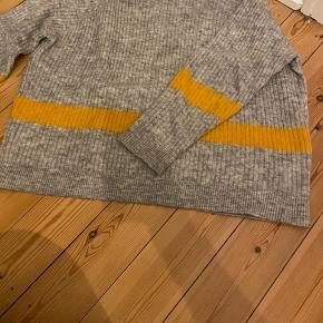 Fin sweater fra Envii💛 Brugt få gange - næsten som ny BYD