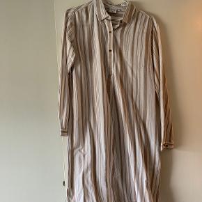 VRS anden kjole & nederdel
