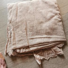 Så fint stort tørklæde. 100% bomuld