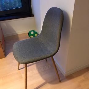 4 stole kun brugt få gange fra Søstrene Grene
