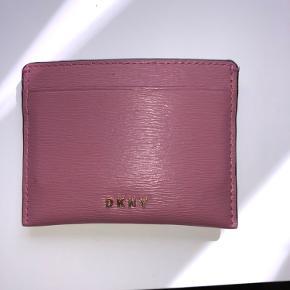 Helt ny pung fra DKNY.